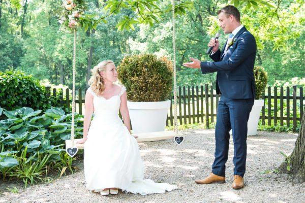 Bruid op schommel
